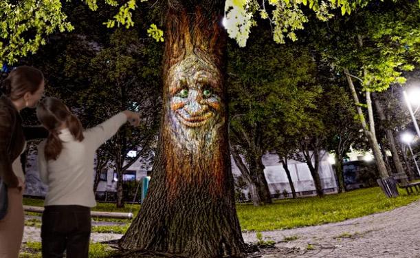 albero parlante videoproiettato