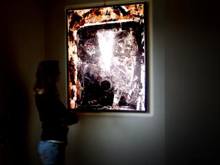 Proietta illuminazione di opere darte quadri gruppi scultorei e